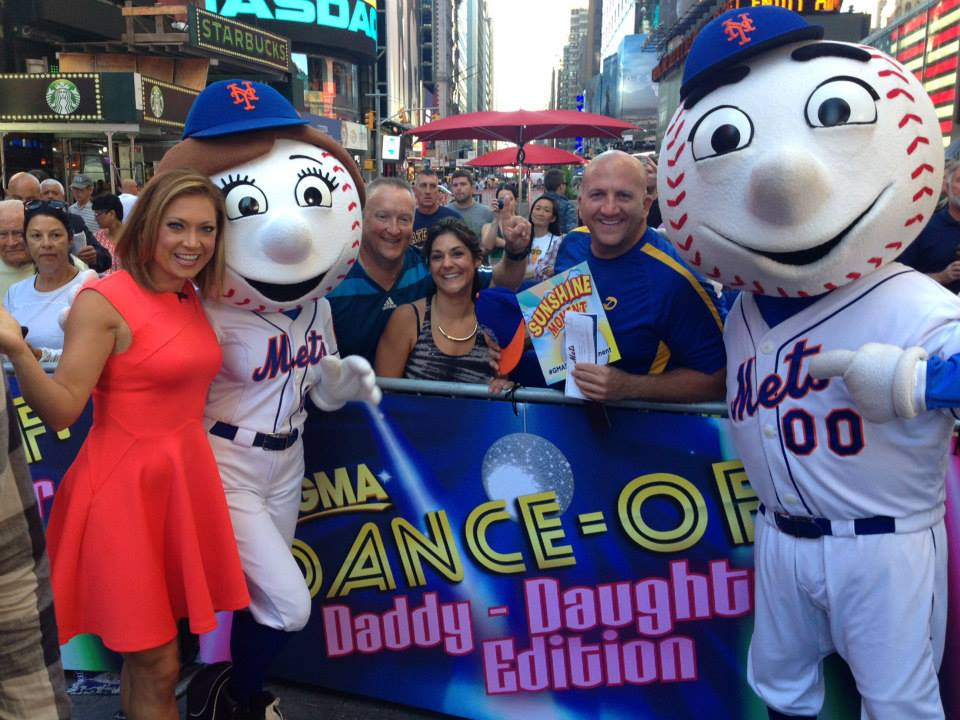 GMA Mr. & Mrs. Mets with Ginger Zee
